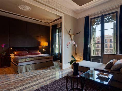 luxury  bedroom apartment  barcelona