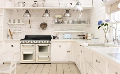 cuisine avec piano de cuisson la gamme de smeg accueille l 39 induction cuisine