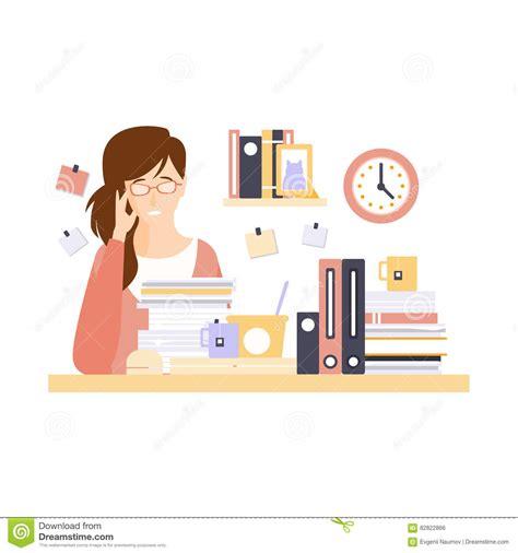 femme de m age bureau employé de bureau de femme dans le compartiment de bureau