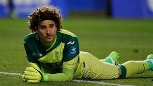 Mexico goalkeeper Guillermo Ochoa joins Standard Liege ...