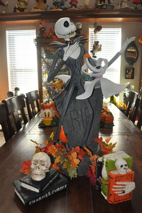 ideas  disney halloween decorations