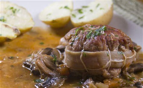 cuisiner paupiette de veau paupiettes de veau pour 6 personnes recettes à table