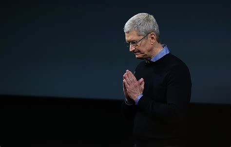 apple ceo tim cooks sells 36 million of apple stock fortune