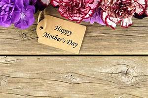 Mothers Day Gift Tag With Flower Top Border On Wood Stock ...