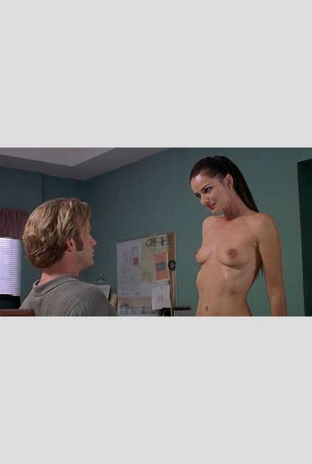 Nude Scene With Paulina Porizkova