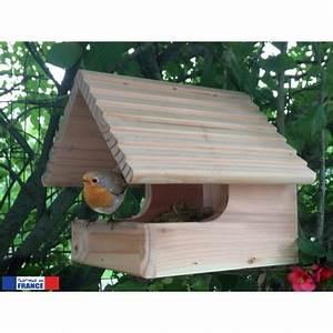Un Nichoir Ouvert Pour Le Plus Grand Plaisir Des Oiseaux