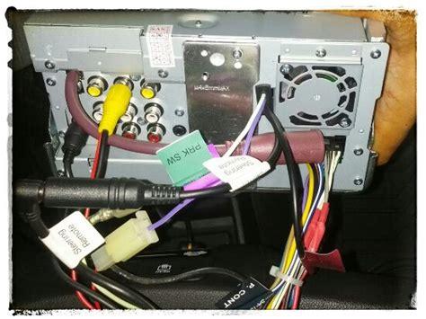 mempelajari wiring diagram kamera mundur meta system