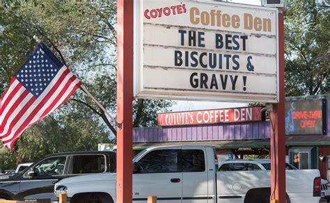 Įmonės coyote's coffee den veiklos vieta: Coyote's Coffee Den - Royal Gorge Area's Premier Coffeehouse