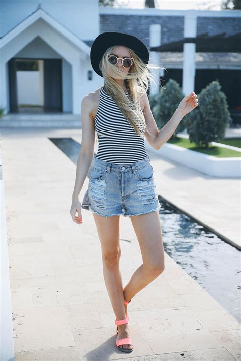 summer sandals barefoot blonde  amber fillerup clark