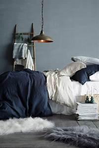 Graue Wandfarbe Wirkung : trendige farben fabelhafte schlafzimmergestaltung in grau ~ Lizthompson.info Haus und Dekorationen