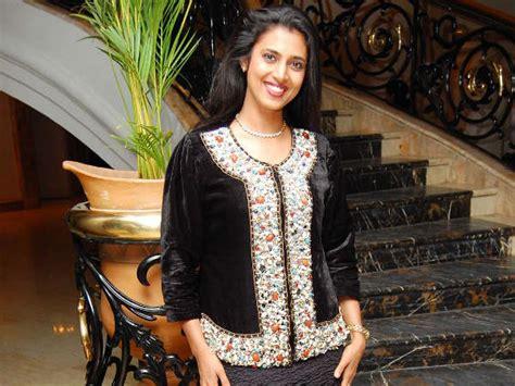 actress kasthuri in aniyan bava chettan bava kasthuri amala paul mom mili filmibeat