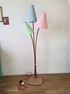 Stehlampe Retro Design : 17 beste ideer om stehlampe holz p pinterest buchenholz design lampen og stehleuchte design ~ Sanjose-hotels-ca.com Haus und Dekorationen