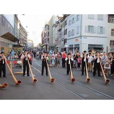 Switzerland : Swiss National Day (Aug. 1)