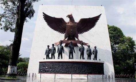 pancasila sacred monument cipayung  district east