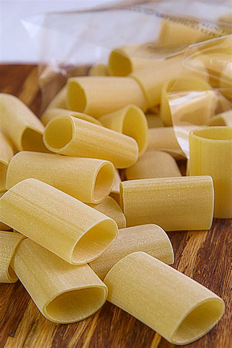 paccheri traditional macaroni pork belly artichokes