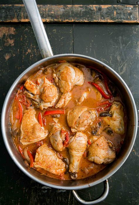 chicken cacciatore style chicken recipe simplyrecipes