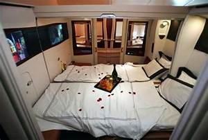AIRBUS A380 Aircraft Airliner History Information Facts ...
