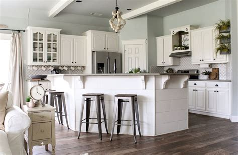 trends in kitchen cabinets sherwin williams sea salt farmhouse 6368