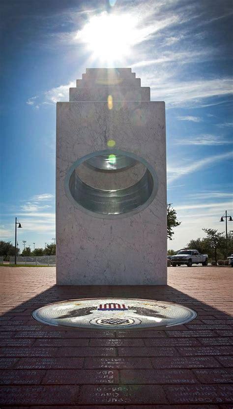 year  sun shines   monument