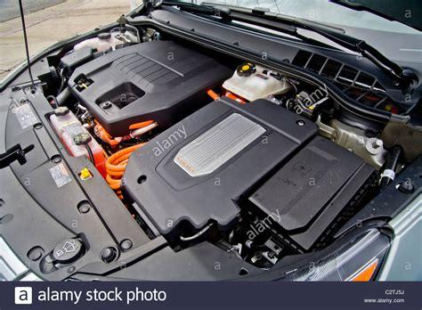 engine compartment   chevrolet volt hybrid gas