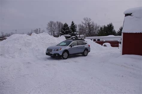 subaru outback snow 2015 subaru outback in snow autos post