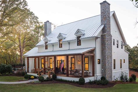 Farmhouse Home Designs by A Delightful Modern Farmhouse With Southern Charm In