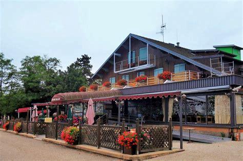 chalet du mont roland photos dole jura dole jura le chalet du mont roland hotel restaurant 151722 communes