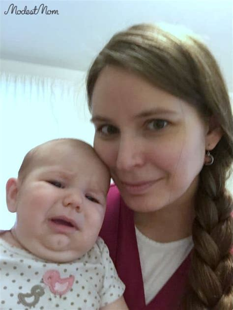 mom   baby  cries  day
