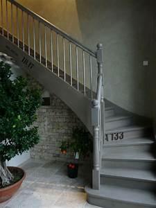 Decoration on pinterest for Peindre un escalier en gris 2 escalier deco peint en blanc marches et rambarde en bois