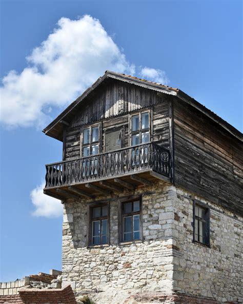 Altes Haus Vom Holz Und Vom Stein Stockbild  Bild Von