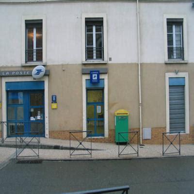bureau de poste le mans yvré l evêque rassemblement contre la fermeture du bureau de poste le maine libre