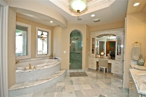The Gallery For --> Mansion Master Bathrooms