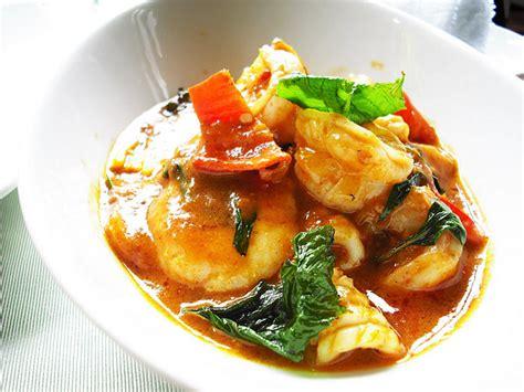 cuisiner les crevettes cuisiner les crevettes à la façon thaï palais des arômes