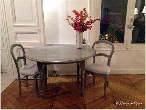 table a manger et chaise table chaises louis philippe et fauteuils patinés