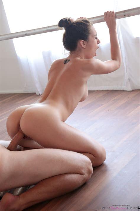 Hardcore Slut Joseline Kelly Removes Lace Lingerie To Give