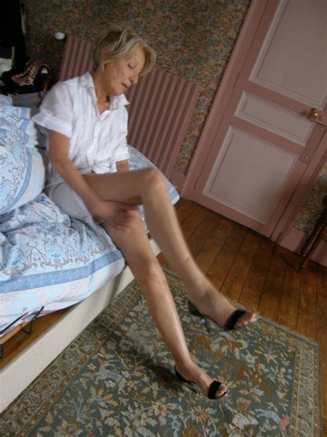 Francoise What An Elegant Slim Long Legged Granny