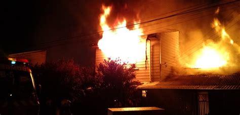 Incendio De Grandes Proporciones Consumió Al Menos 12