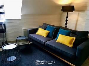 salon noir et jaune salon noir gris jaune besancon with With tapis chambre bébé avec canapé lit studio