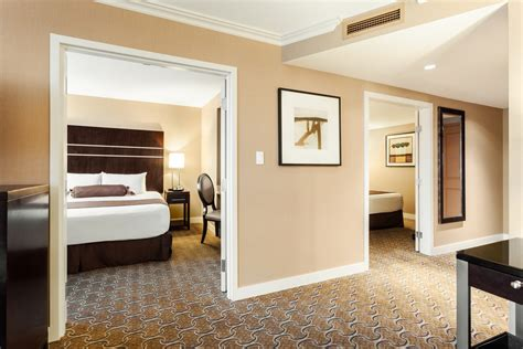 With 1150 square feet, the two bedroom suites at the marmara manhattan are convenient and comfortable. Two Bedroom Suites - River Rock Casino Resort