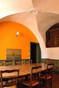 Petite Salle à Manger : petite salle a manger chateau de peyrins ~ Preciouscoupons.com Idées de Décoration