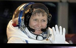 Record-breaking astronaut tells Trump she's ready to go to ...