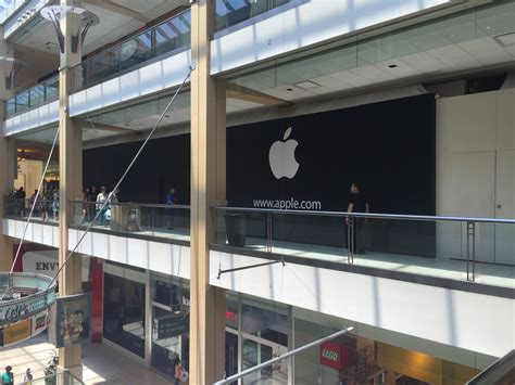 apple store opening at center this saturday qns
