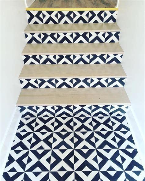 desain terbaru keramik tangga minimalis terbaik