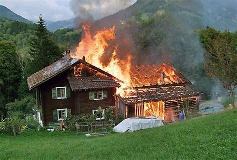 Stall Und Haus Abgebrannt  Kinder Retten Sich