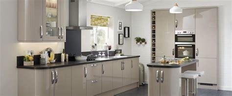 howdens kitchen accessories glendevon birdhouse kitchens 1743