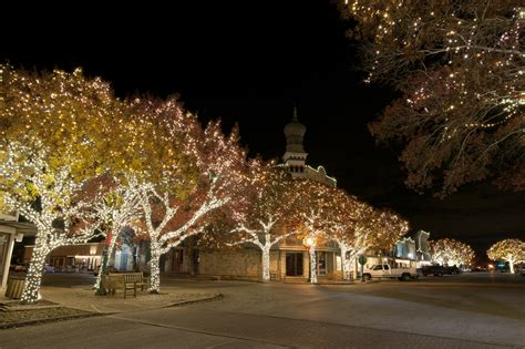 shine bright best christmas lights in central texas