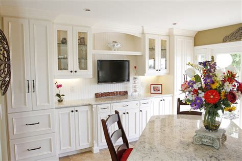 knobs for white kitchen cabinets white kitchen cabinets open up new solutions in orange 8808
