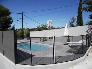 Barriere Protection Piscine : barri re de s curit piscine filet de protection piscine coque neptune piscines ~ Melissatoandfro.com Idées de Décoration