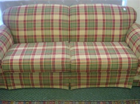 red plaid sofa broyhill 301 moved permanently