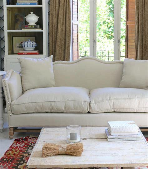 Sofá Tapizado Con Patas De Roble Vilmupa
